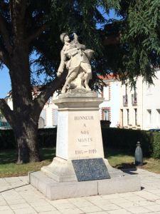 WW 1 statue
